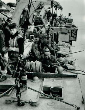 Troops return from Bruneval, 1942.