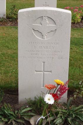 Gravestone of Pte T Bailey, Oosterbeek, Arnhem