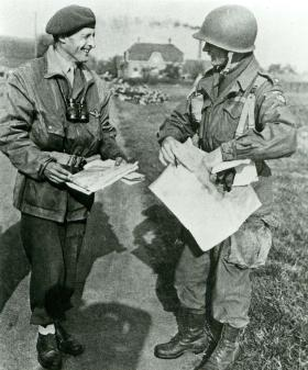 Frederick Browning talking to US 82nd Airborne Division Commander Brig Gen James Gavin