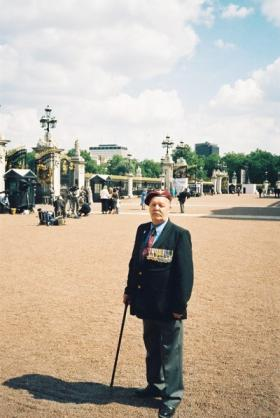 Trooper John 'Jack' Archer at Buckingham Palace, Veterans Day, 10 July 2005