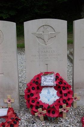 Gravestone of Captain Spencer Daisley (Q.M.)