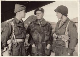 Derrick Bentham speaks with soldiers at Maison Blanche Airfield, Tunisia, c.November 1942