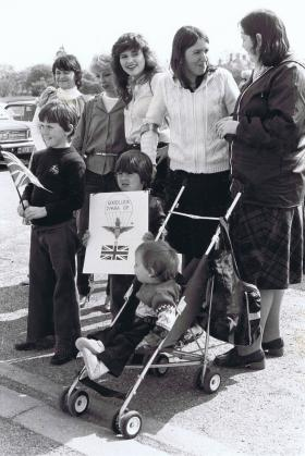 Families show their support for 2 Para Group bound for the Falklands, 1982