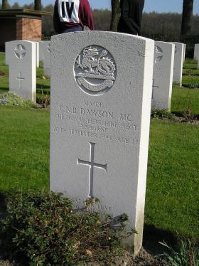 Gravestone of CNB Dawson, Oosterbeek, September 2006