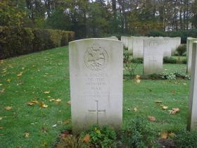 Gravestone to Unknown Glider Pilot Regiment soldier, Jonkerbos, nr Nijmegen