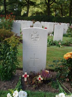 Gravestone of WN Barrie, Oosterbeek, 2009