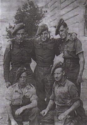 Group photo of soldiers 5th (Scottish) Parachute Battalion, Italy, c.1943