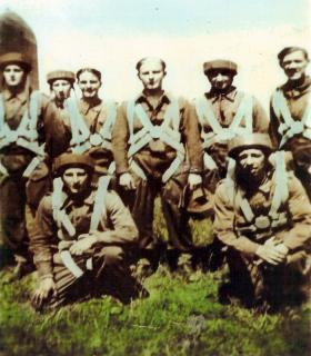 Group photograph of Airborne engineers, possibly Jump Course 14