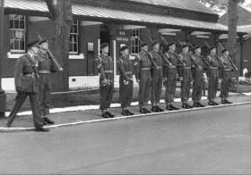 33rd Airborne Light Regt RA Guard being mounted at Lille Barracks, Farnborough, 1954