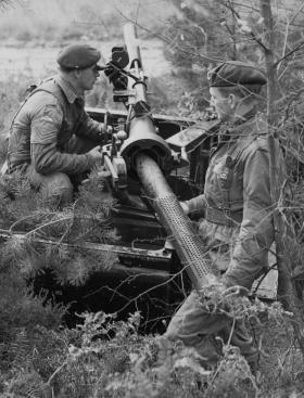 Guards Para Coy Anti-Tank Patrol arm 106mm Anti-Tank Gun, 1962