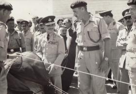 HM King Hussein of Jordan with 2 Para