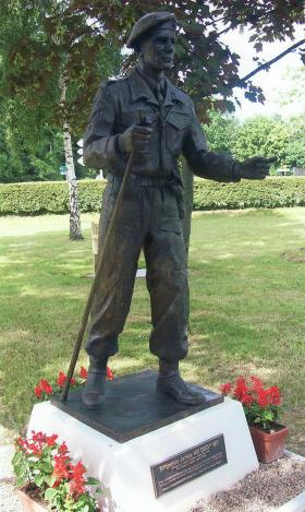 Statue of Brigadier Hill