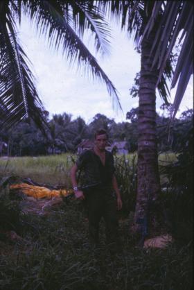 Rod Scott at Gunnan Gadjit resupply drop, Borneo