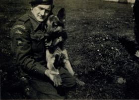 Jimmy Gardner, handler of Para Dog Bereda, 1944