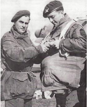 L/Cpl Richards and Nobby Hall of 1 Para, prior to Arnhem