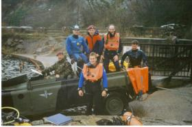 Members of the 2 Para Diving Club about to sink a cast FFR landrover
