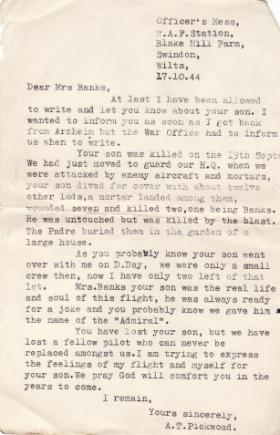 Letter informing the family of Richard Banks GPR about his death from Lt Pickwoad DFC, October 1944
