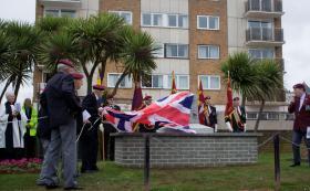 Four Airborne WW2 veterans unveiling the Paignton Memorial, 28 March 2010