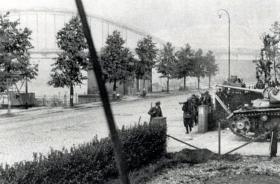 German Troops close in to Arnhem Bridge