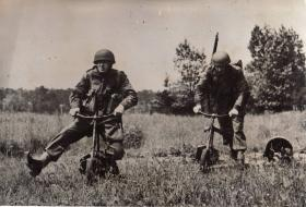 Paratroopers demonstrate Airborne Welbikes