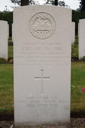 Headstone of Lt Col Smyth, Arnhem, Oosterbeek, 2009