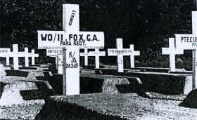 Temporary grave of George A Fox MBE at Reichswald Forest War Cemetery, 1945