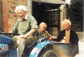 Tony Hibbert, Nienke and Hiltje van Eck