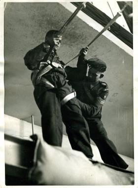 Parachute Jump Instructor conducting training at Ringway, 1941