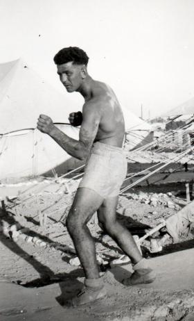 Alfie Crompton, 3 PARA, Canal Zone, 1952.