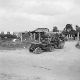 Members of 1st Bn Royal Ulster Rifles leaving LZ-N, June 1944