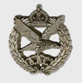 Army Air Corps Cap Badge - wartime economy version