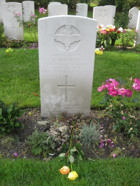 Headstone for Pte R Bentley, Arnhem Oosterbeek War Cemetery, 2011