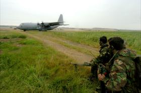 Pathfinders provide cover having called in an RAF C130 Hercules onto a TLZ, on an exercise, 2005.