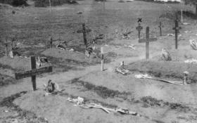 Capt Cassidy's temporary grave in 1943.