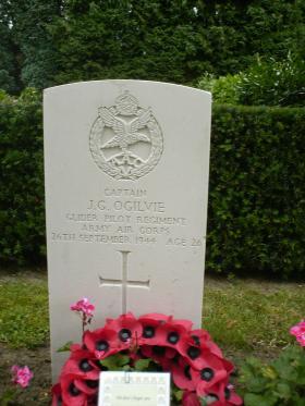 Headstone of  Captain James Ogilvie, Rhenen General Cemetery, September 2012.