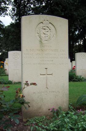 Grave of Capt B Brownscombe GM, Oosterbeek War Cemetery, July 2014.