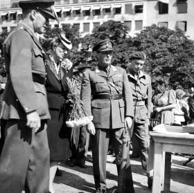 Crown Prince Olav of Norway and Lt Macduff-Duncan (right), circa June 1945.