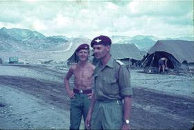 Lt Ted Loden with Major Richard Dawnay, Company Commander D Coy 1 PARA, Radfan c1965.