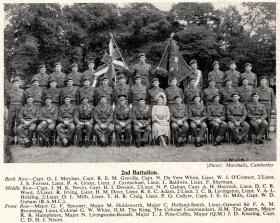 The King and Queen with officers of 2 PARA, Aldershot 19 July 1950.
