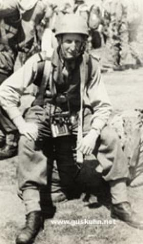 Lt Vincent Davey Parachute Training 1947