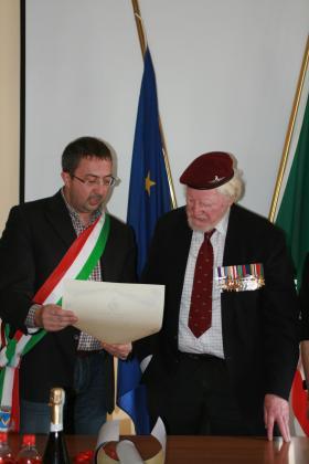 Deputy Mayor De Simone and Major Hargreaves MC, Palombaro, Italy, March 2013.