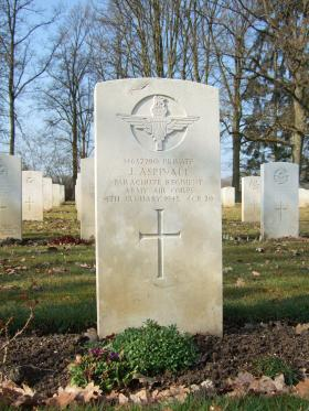 Grave of Pte J Aspinall, Hotton War Cemetery, Belgium, 2015.