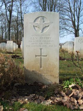 Grave of Pte Ernest E V Jeffery, Hotton War Cemetery, Belgium, 2015.