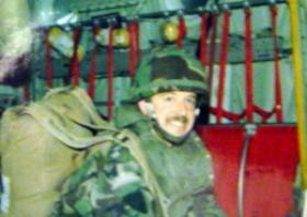 Lt King ready to parachute at Grantham 1987.