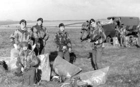 Members of 44 Parachute Ordnance Field Park, RAOC (V) on Eversleigh DZ, c1975.
