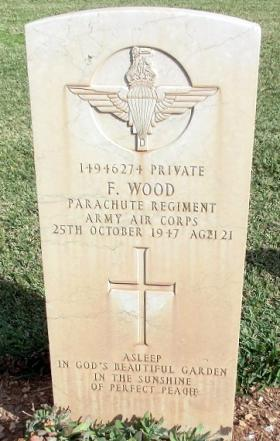 Grave of Pte F Wood, Khayat Beach Cemetery, 1 January 2015.