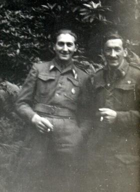 Lt Franciszek Oleksow (right) and unknown, location believed to be Scotland, date unknown.