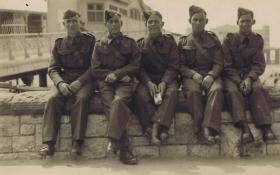 Frank Turian with members of Somerset Light Infantry, 1940