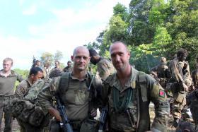 Dutch Marine WO1 Dik Vonk and Divisional Sergeant Major (DSM) Phil Stout,  Ulu Labi, 2015.