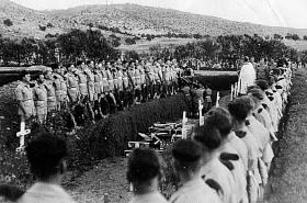 Funeral for members of 2nd Parachute Battalion, who died 25/26 October 1947, Khayat Beach War Cemetery.